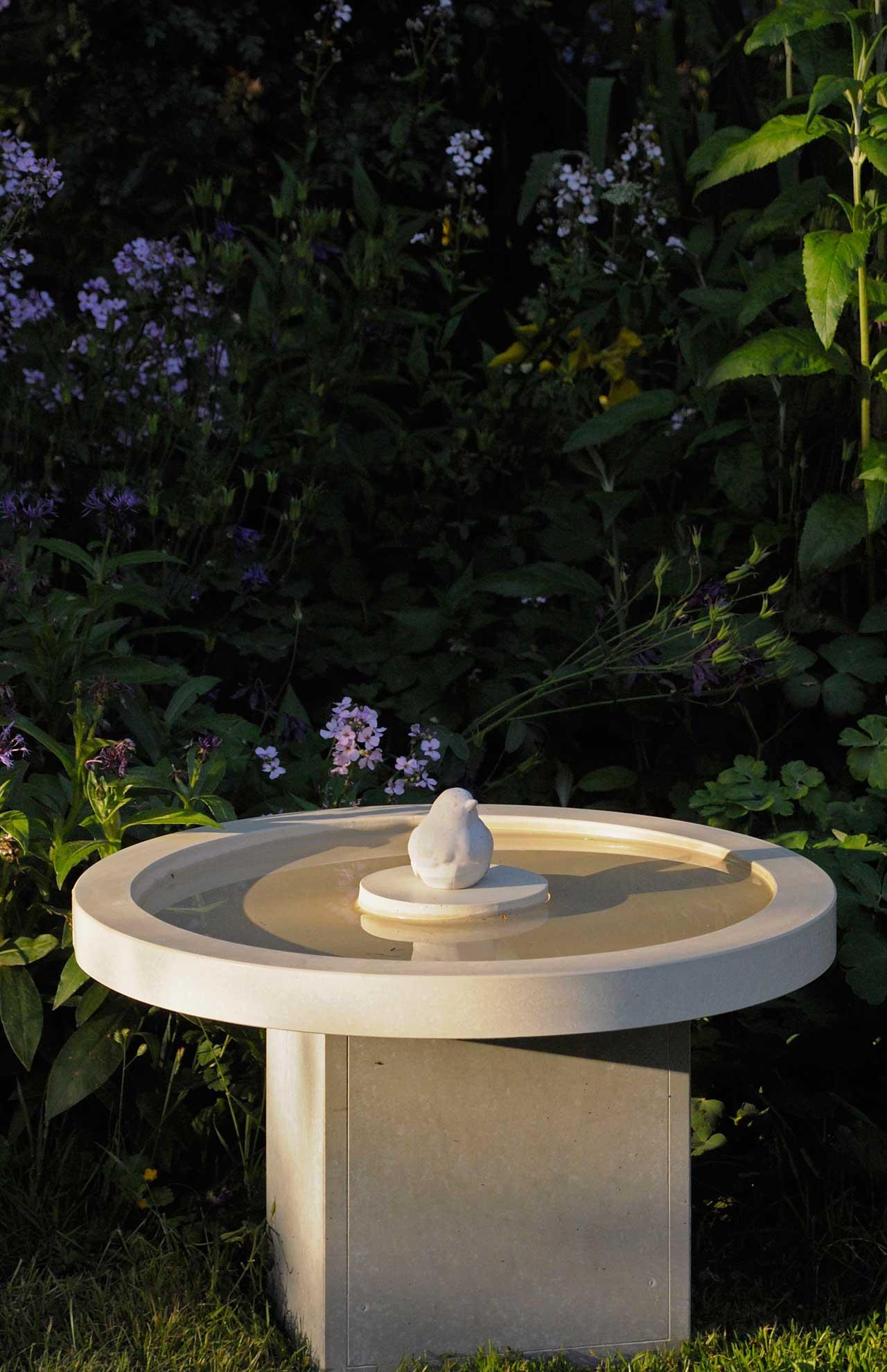 Vogeltränken aufstellen! | OGGI-Beton
