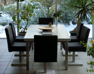 OGGI-Beton: Wohnen mit Betonmöbeln – Esstisch